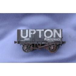 P069 UPTON PONTEFRACT