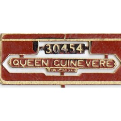 30454 Queen Guinevere